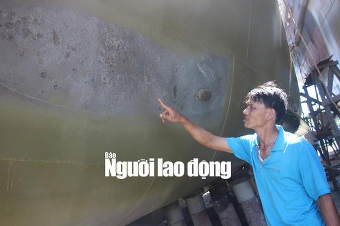 Tàu cá vỏ thép hỏng: Ngư dân chấp nhận thua thiệt - Ảnh 1.