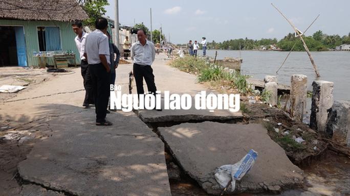 Sạt lở kinh hoàng ngay dự án kè sông trên 400 tỉ đang thi công - Ảnh 6.
