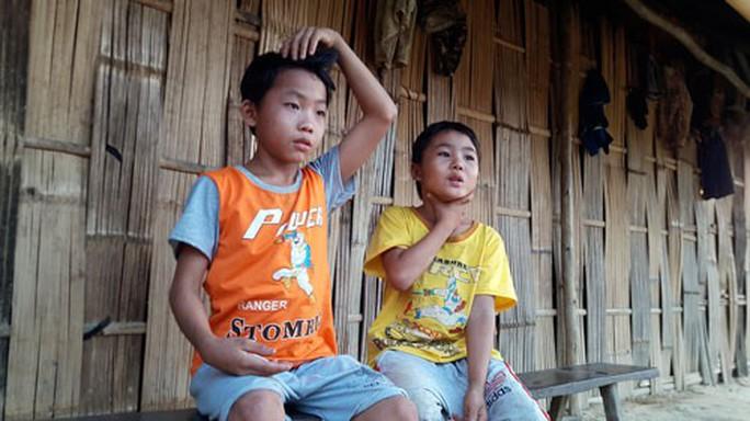 2 trẻ thoát lao động khổ sai - Ảnh 1.