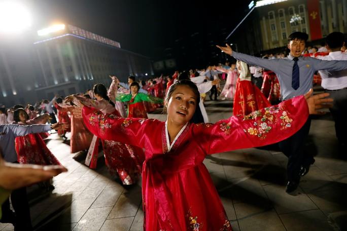 """Trung Quốc rục rịch """"thể hiện tinh thần đoàn kết"""" với Triều Tiên - Ảnh 1."""