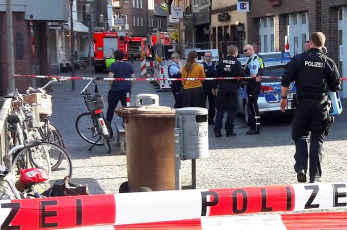 Vụ lao xe chết chóc ở Đức: Tiết lộ rợn người về kẻ tấn công - Ảnh 1.