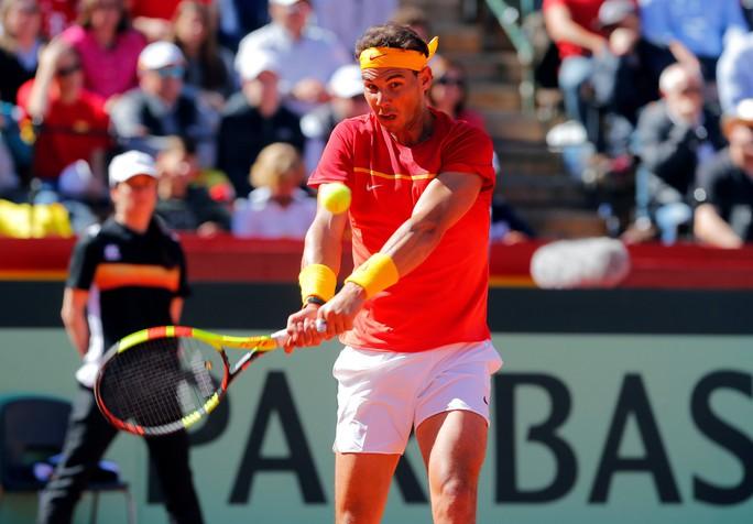 Nadal đưa Tây Ban Nha vào bán kết Davis Cup 2018 - Ảnh 1.
