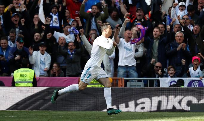 Lập công 10 trận liền, Ronaldo cán mốc 650 bàn trong sự nghiệp - Ảnh 3.