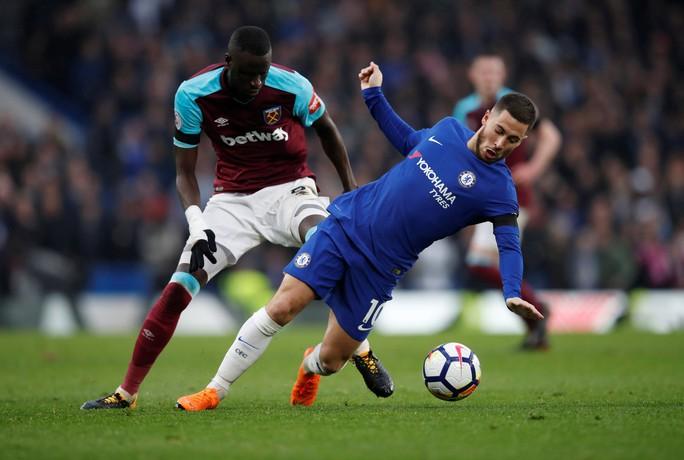 Azpilicueta: Vô địch FA Cup cũng không thể cứu Chelsea - Ảnh 2.