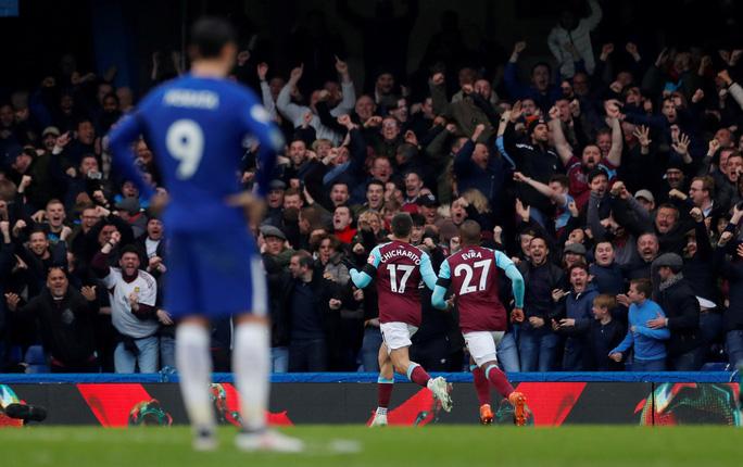 Azpilicueta: Vô địch FA Cup cũng không thể cứu Chelsea - Ảnh 1.