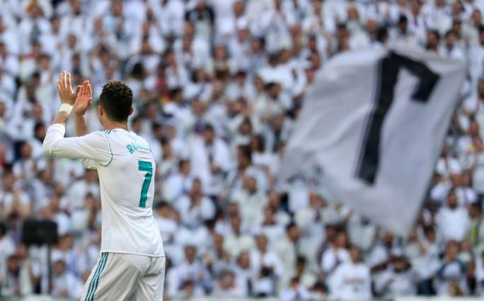 Lập công 10 trận liền, Ronaldo cán mốc 650 bàn trong sự nghiệp - Ảnh 1.