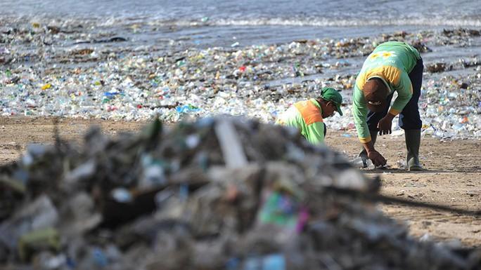 Bãi biển Đông Nam Á: Càng đẹp, càng khổ - Ảnh 1.