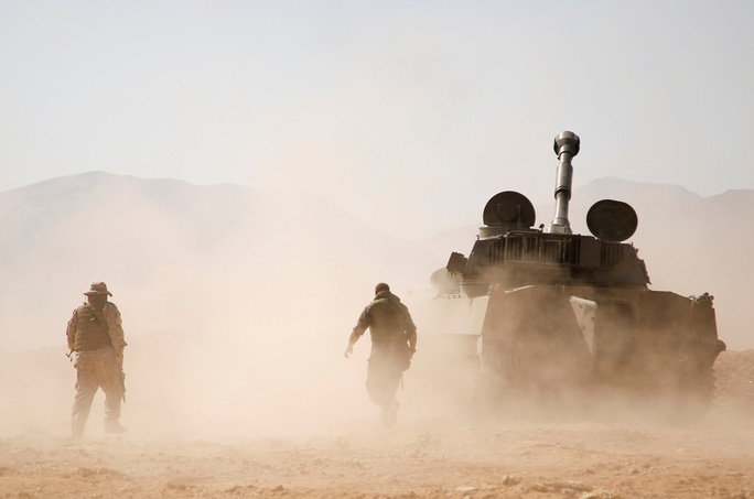 Vụ tấn công Syria: 14 người chết, Nga tố Israel bắn 8 tên lửa - Ảnh 1.
