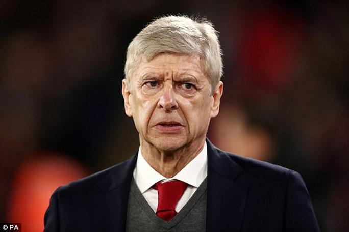 Wenger bị cấm chỉ đạo 3 trận, lỡ đại chiến Chelsea - Ảnh 1.