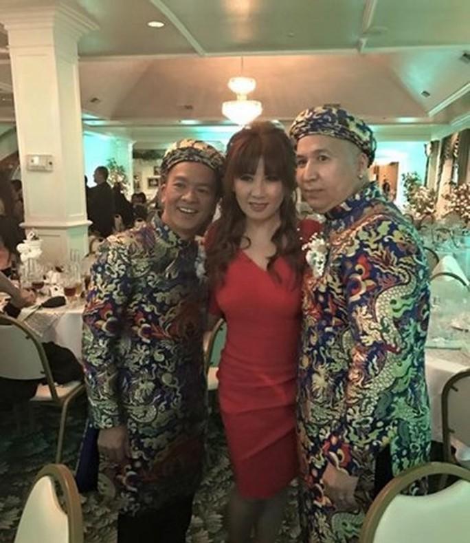 Đình đám những cặp đôi đồng tính của showbiz Việt - Ảnh 8.