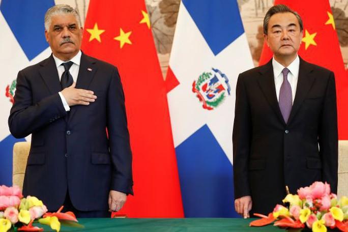 Trung Quốc bị tố chi hơn 3 tỉ USD để Dominica nghỉ chơi với Đài Loan - Ảnh 1.