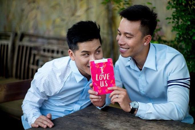 Đình đám những cặp đôi đồng tính của showbiz Việt - Ảnh 5.