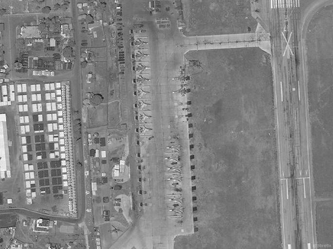 Nga tăng mạnh máy bay chiến đấu tới Syria sau tấn công tên lửa - Ảnh 1.