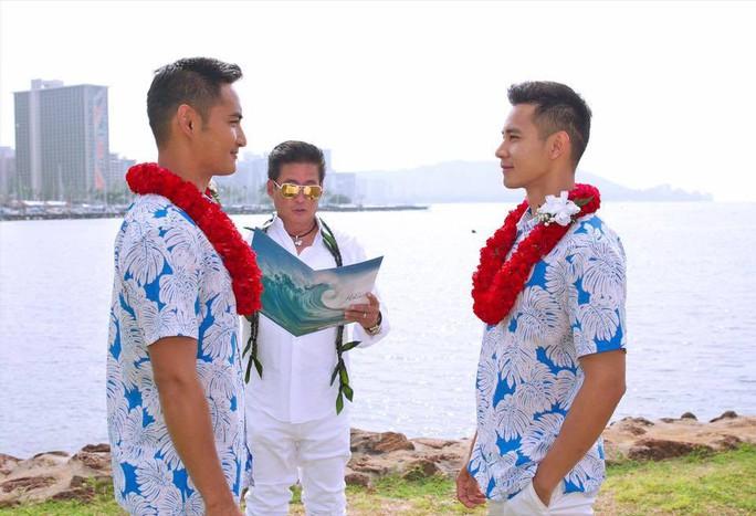 Đình đám những cặp đôi đồng tính của showbiz Việt - Ảnh 1.