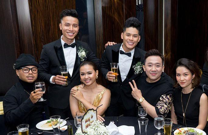 Đình đám những cặp đôi đồng tính của showbiz Việt - Ảnh 6.