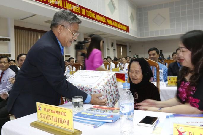 Công đoàn tỉnh Quảng Nam hỗ trợ xây 334 căn nhà cho đoàn viên - Ảnh 2.