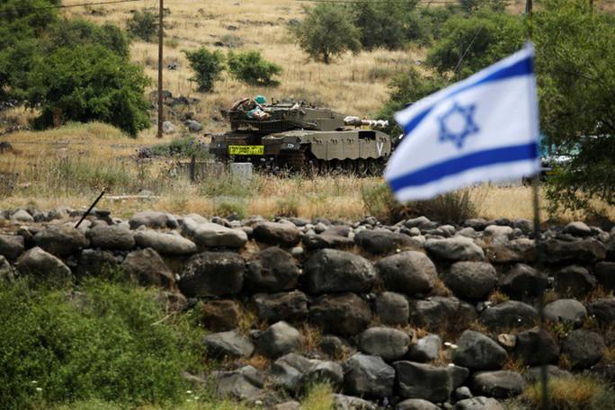 Tố Iran bắn rốc-két, Israel không kích Syria trả đũa - Ảnh 2.