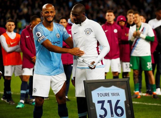 Pep Guardiola bị tố phân biệt sắc tộc, ghét bỏ cầu thủ gốc Phi - Ảnh 1.