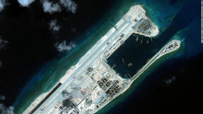 Trung Quốc bố trí tên lửa tại Trường Sa: Nguy cơ chiến tranh gia tăng - Ảnh 1.