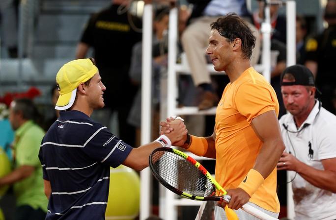 Vào tứ kết Madrid Open, Nadal phá thêm 1 kỷ lục  - Ảnh 1.