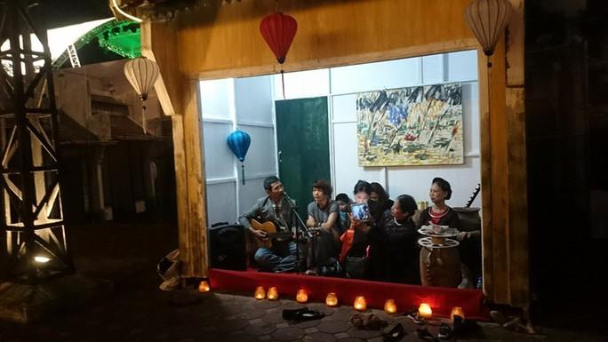Phố đi bộ Trịnh Công Sơn tràn ngập âm nhạc đêm khai trương - Ảnh 7.