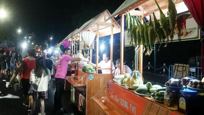 Phố đi bộ Trịnh Công Sơn tràn ngập âm nhạc đêm khai trương - Ảnh 13.