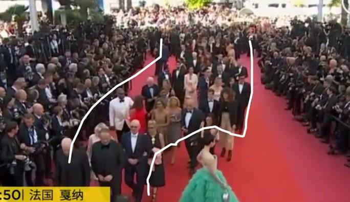 Thảm đỏ Cannes 71 bát nháo với cảnh hở hang, chiêu trò - Ảnh 1.