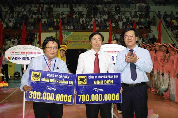 Chân dài quốc tế đọ dáng trên sàn đấu Quảng Nam - Ảnh 7.