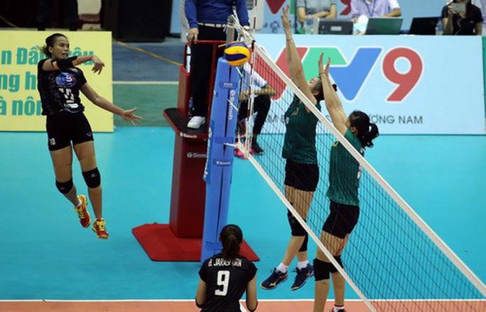 Chân dài quốc tế đọ dáng trên sàn đấu Quảng Nam - Ảnh 8.