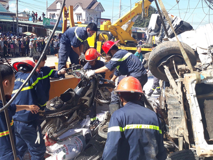 Vụ tai nạn thảm khốc ở Lâm Đồng: Xe tải gây tai nạn tại 3 điểm - Ảnh 2.