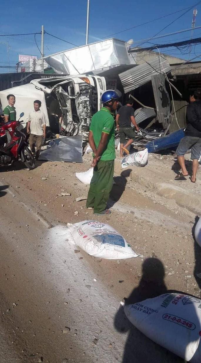 Tai nạn thảm khốc ở Lâm Đồng, ít nhất 5 người chết - Ảnh 4.