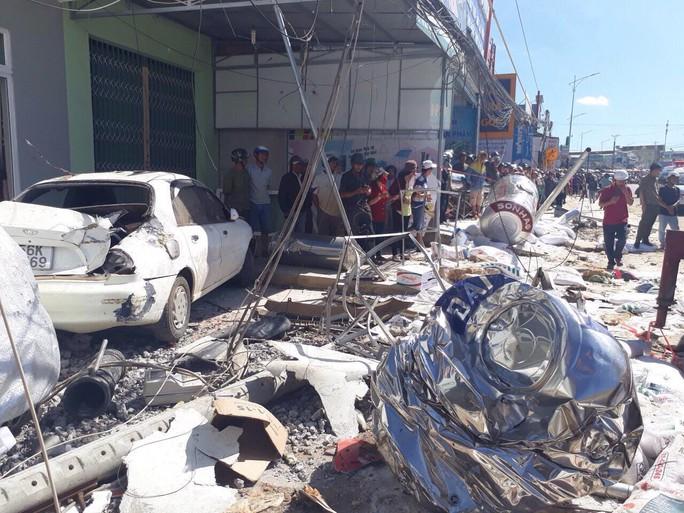 Tai nạn thảm khốc ở Lâm Đồng, ít nhất 5 người chết - Ảnh 6.