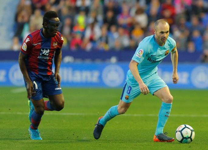 Rượt đuổi tỉ số bất thành, Barcelona thua trận đầu tại La Liga - Ảnh 3.