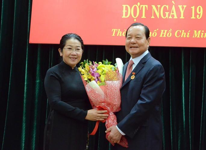 Ông Lê Thanh Hải nhận huy hiệu 50 năm tuổi Đảng - Ảnh 2.