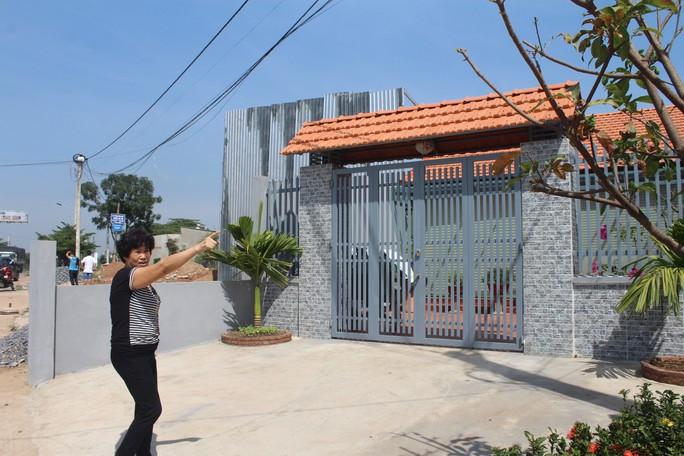 Vụ xây nhà trên đất người khác ở Biên Hòa: Tháo dỡ căn nhà trái phép - Ảnh 2.