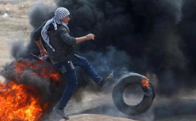 Ngày đẫm máu ở Gaza: Bé 8 tháng tuổi thiệt mạng vì khí cay - Ảnh 10.