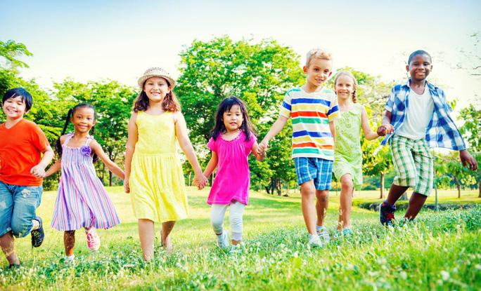 Trẻ cần dinh dưỡng cân bằng để tăng trưởng khỏe mạnh - Ảnh 1.