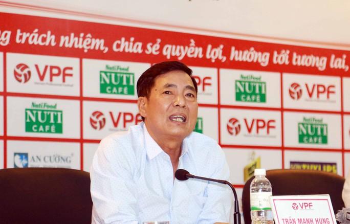 Cuộc họp đầy dung tục của quan chức VPF và VFF - Ảnh 2.
