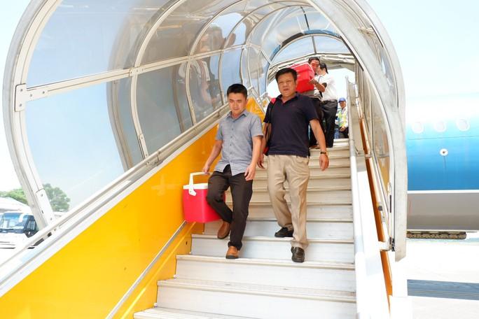 Lịch trình không trật 1 phút trái tim sống bay từ Hà Nội tới Huế ghép tạng - Ảnh 4.
