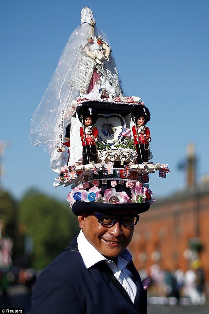 Những khoảnh khắc khó quên của đám cưới hoàng gia Anh - Ảnh 2.