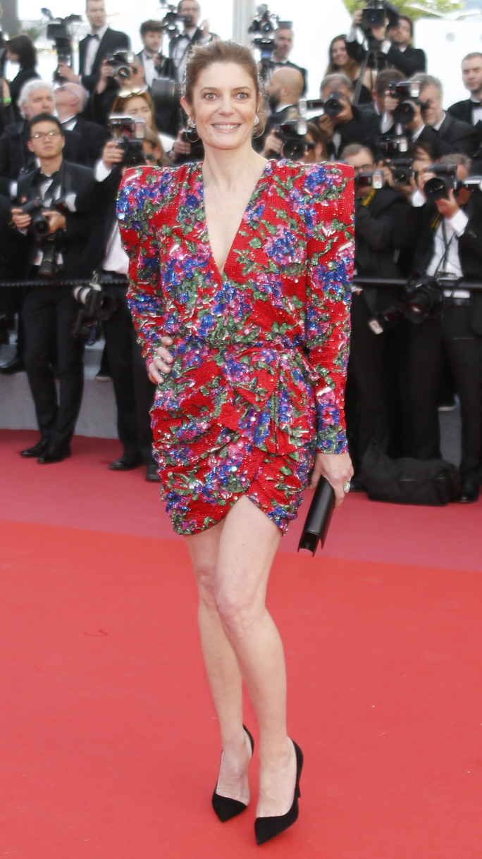 Những bộ đầm lạ mắt trên thảm đỏ Cannes - Ảnh 21.