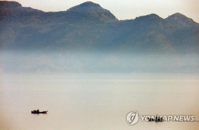 Thiếu tá quân đội Triều Tiên vượt biển, đào tẩu sang Hàn Quốc - Ảnh 1.