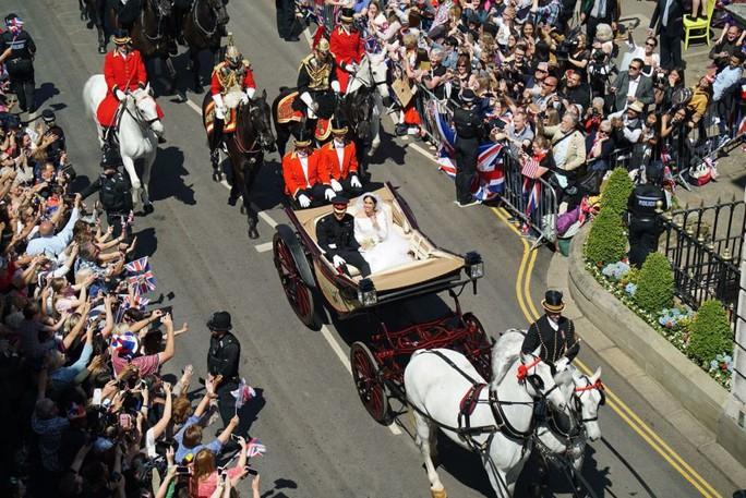 Những khoảnh khắc khó quên của đám cưới hoàng gia Anh - Ảnh 31.