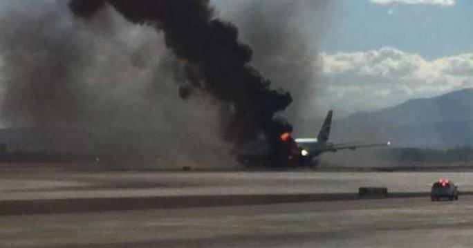 Máy bay chở hơn 100 người rơi và phát nổ ở Cuba - Ảnh 1.
