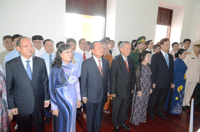 Nguyên Thủ tướng Nguyễn Tấn Dũng dâng hương Chủ tịch Hồ Chí Minh - Ảnh 5.