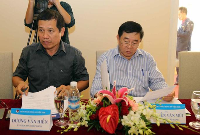 Cuộc họp dung tục của quan chức VFF và VPF: Người trong cuộc và VFF lên tiếng - Ảnh 2.