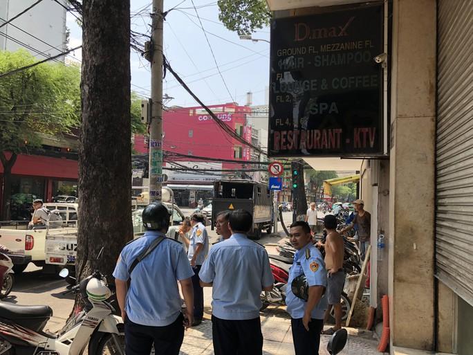 Tái khởi động chiến dịch dẹp vỉa hè ở trung tâm TP HCM - Ảnh 2.