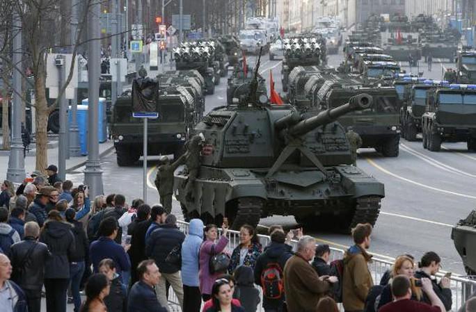 Lần đầu tiên trong 20 năm, Nga giảm chi tiêu quân sự - Ảnh 1.