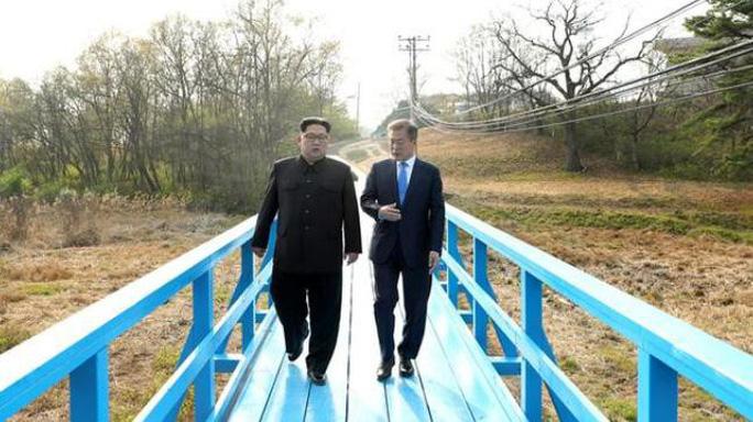 Đằng sau câu chuyện ông Kim Jong-un vào thang máy - Ảnh 2.