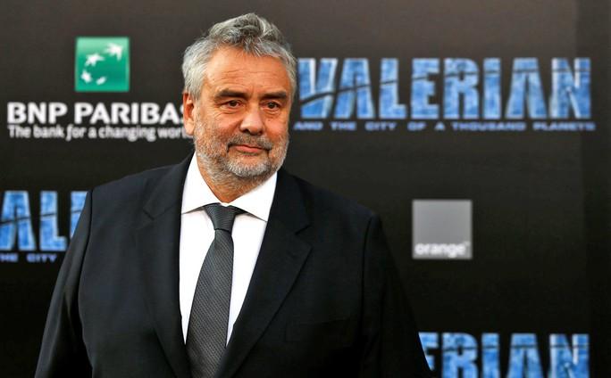 Đạo diễn Luc Besson bị tố cáo hiếp dâm - Ảnh 1.